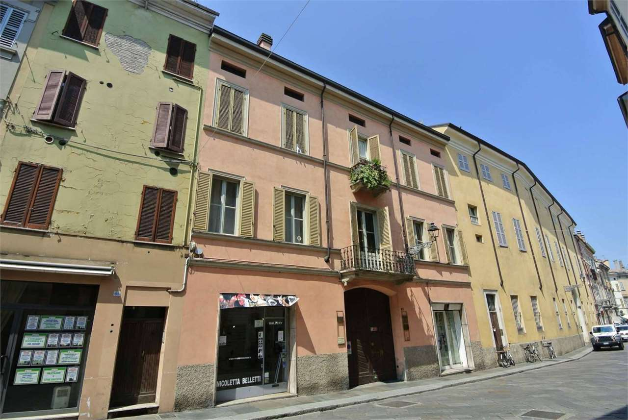 Strada Farini-Ufficio con cantina al piano nobile